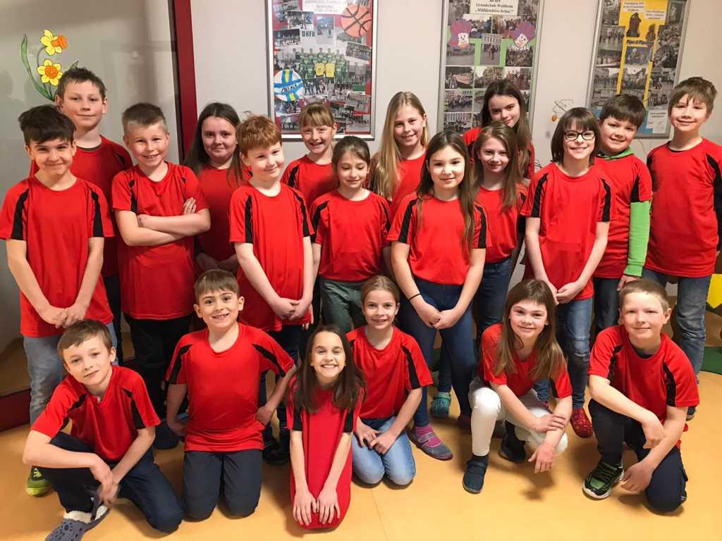 Neue Klassenshirts – Rot macht munter